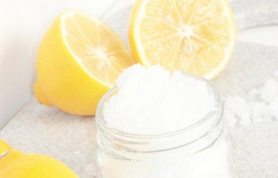 el limón es un poderoso aliado para eliminar las manchas de hierro